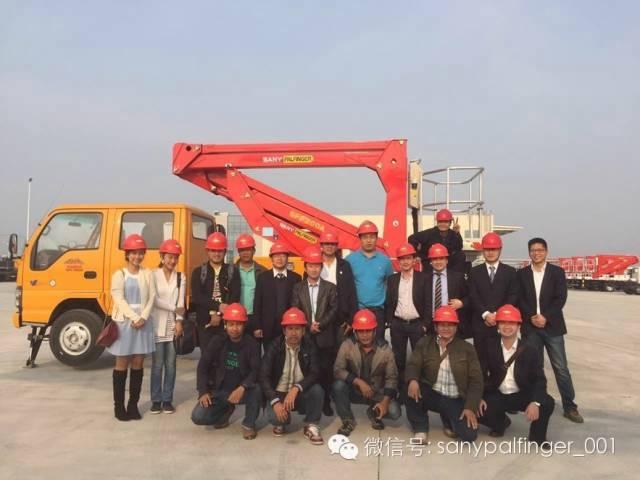 泰国代理商MAXCRANE到访三一帕尔菲格如东新工厂